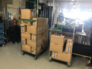 Melkpakken in loods Voedselbank